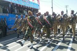 رژه باشکوه نیروهای مسلح در زاهدان برگزار شد