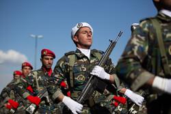 آئین رژه نیروهای مسلح مستقر در استان بوشهر برگزار شد