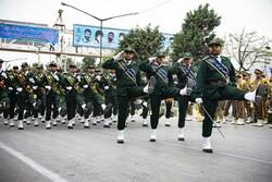 روز ارتش نماد وحدت قدرت آفرین نیروهای مسلح است