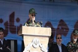 ارتش در آمادگی کامل به سر می برد/نمایش اقتدار نیروهای مسلح