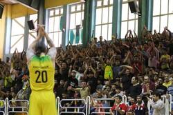 پیراهن تیم بسکتبال پالایش نفت آبادان دربازیهای آسیایی رونمایی شد