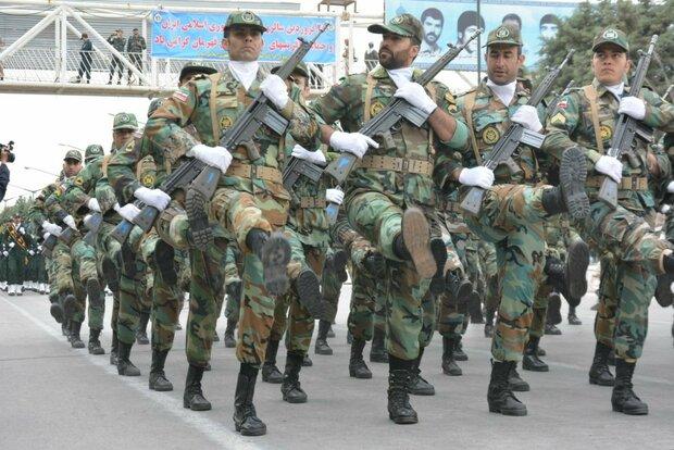 رژه باشکوه نیروهای مسلح در کرمانشاه برگزار شد