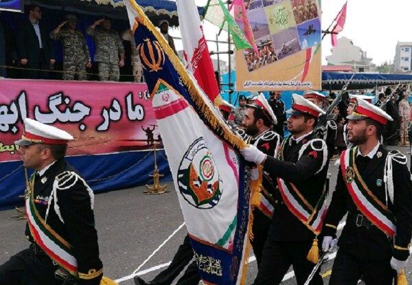 رژه یگان های نیروهای مسلح در رشت برگزار شد