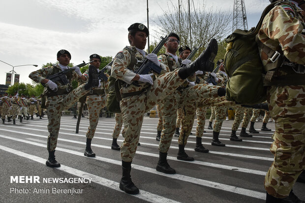 Army forces parade in Shiraz
