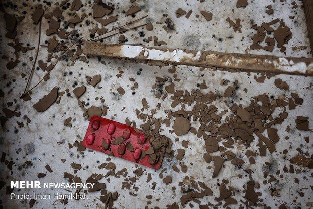 آثار گل و لای در مناطق سیل زده لرستان