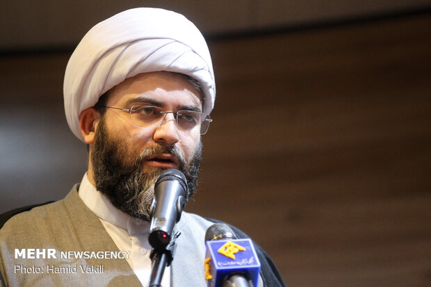 رئيس منظمة الإعلام الإسلامي يهنئ اللواء سلامي بتعيينه قائدا للحرس الثوري