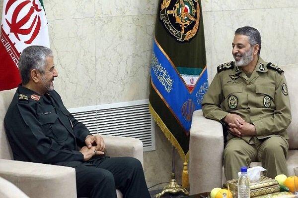 فرمانده کل سپاه با سرلشکر موسوی دیدار کرد