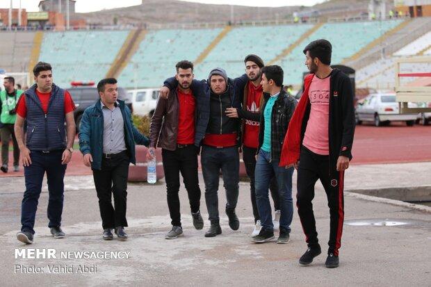 دیدار تیم های فوتبال تراکتورسازی و پیکان