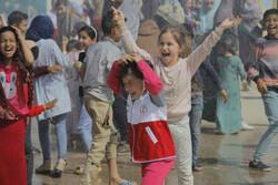 «مل مل» میان بچههای خوزستان رفت/ نیمه شعبان در کنار سیل زدگان