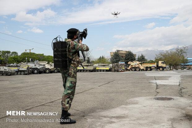 مراسم رونمایی و تحویل دهی دستاوردهای جدید دفاعی نیروی زمینی ارتش