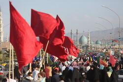 قم سے مسجد جمکران کی طرف زائرین کا پیدل مارچ