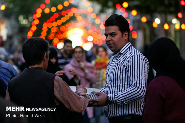 حال و هوای تهران در شب نیمه شعبان