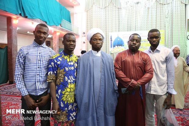 مراسم ربط العمامة لطلبة العلوم الدينية في قم
