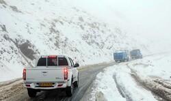 محورهای اورامانات برفی است/ حضور ۶۵ گشت پلیس در جادههای کرمانشاه