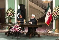 روحاني: سيتم تشكيل قوة تدخل سريع مشتركة ايرانية باكستانية
