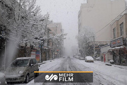 VIDEO: Springtime snow in Urmia