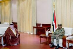 وزیر خارجه بحرین با رئیس شورای نظامی سودان دیدار کرد