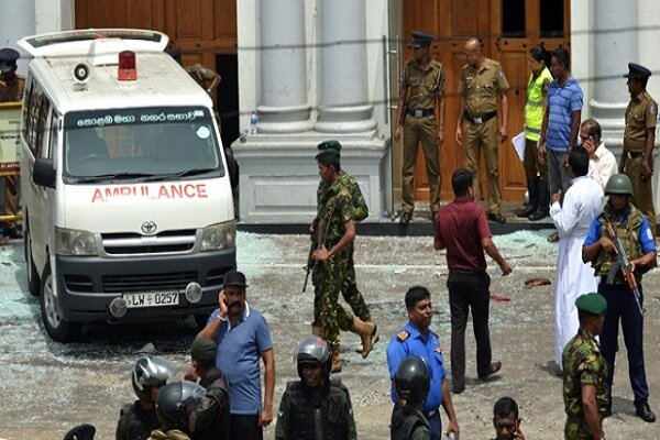 سری لنکا میں ہلاک ہونے والوں کی یاد میں ایفل ٹاور خاموش