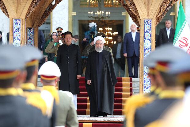 Ruhani, Pakistan Başbakanı'nı resmi törenle karşıladı