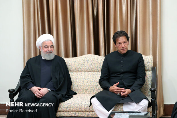 Leader's meeting with Pakistani PM