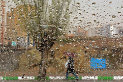 تہران میں شدید باد و باراں
