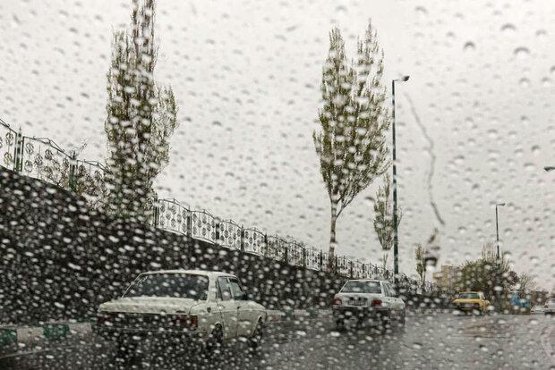 اخطار سازمان هواشناسی نسبت به بارش باران و تگرگ در مناطق کوهستانی,