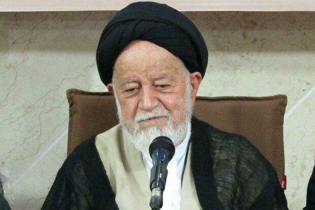ضرورت خط کشیدن دور مذاکره با آمریکا/ ملت ایران تن به ذلت نمیدهد