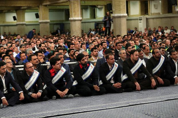 Laborers meet Ayatollah Khamenei ahead of Labor Day