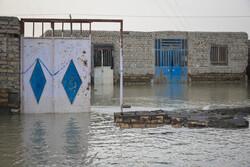 کمک خادمیاران رضوی به ساکنان مناطق سیل زده کلات