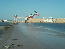 بیمارستان صحرایی علی بن ابی طالب آبادان به زیر آب رفت