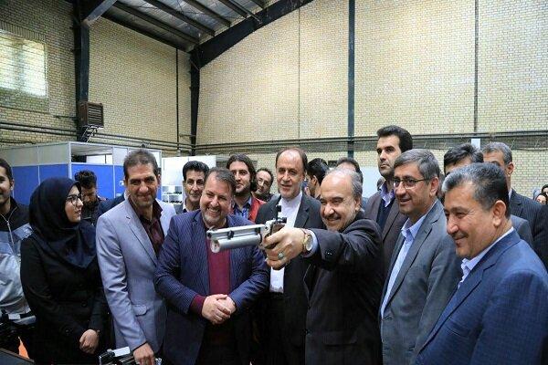 وزیر ورزش و جوانان از سالن تیراندازی همدان بازدید کرد