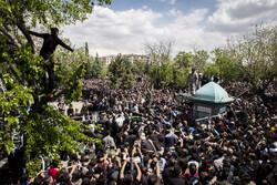 مدافع حرم شہید قربانخانی کی تشییع جنازہ میں ہزاروں افراد کی شرکت