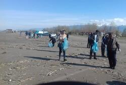 ساحل رودسر از وجود زباله پاکسازی شد