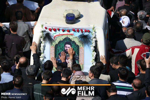 Funeral procession of martyred defender of holy shrine 'Majid Ghorbankhani'