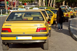 برخورد با تاکسیهای فاقد برچسب نرخ کرایه