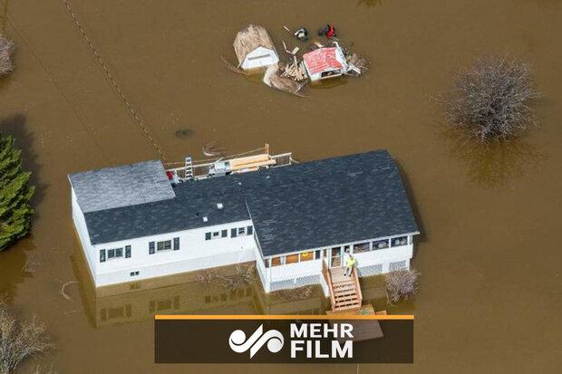 Kanada'da evleri su bastı