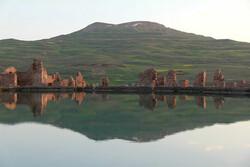 مستند «اسرار دریاچه» در تکاب اکران شد