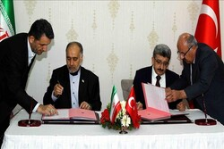 Iran, Turkey sign MoU on border security