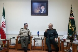 IRGC, Army top commanders hold meeting, stress unity among armed forces