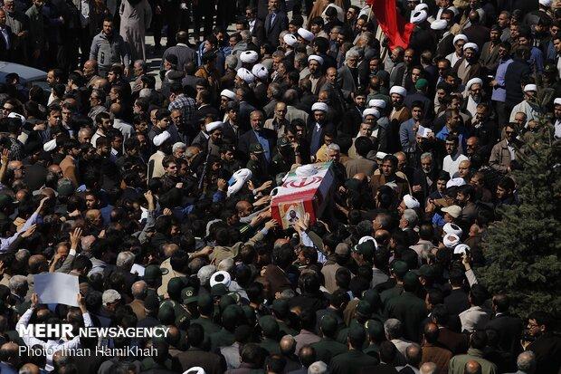 مراسم تشییع پیکر طلبه همدانی