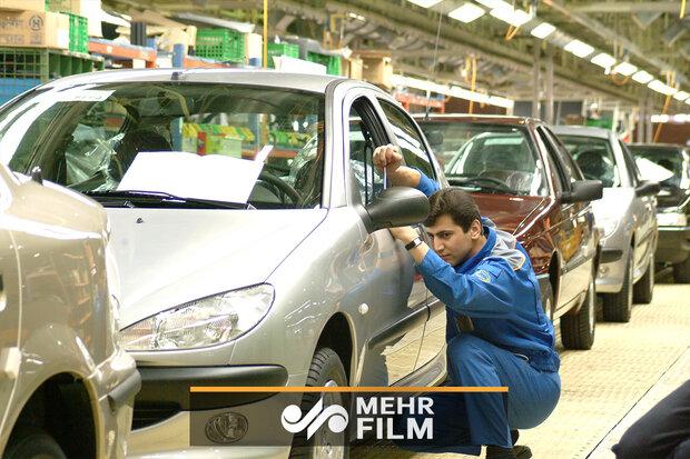 علت افزایش قیمت خودرو تحریم نیست بلکه مسئولین داخلی است