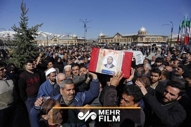 ہمدان میں مقتول طالب علم کی تشییع جنازہ میں عوام کی بھر پور شرکت