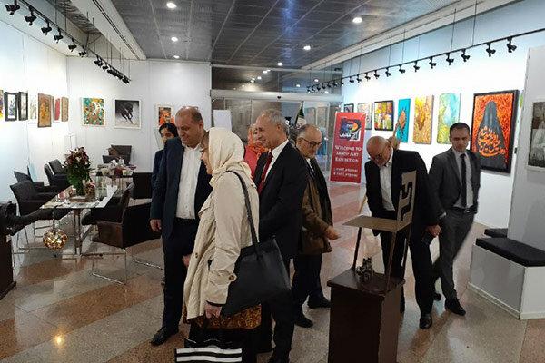 نمایش آثار یکصد هنرمند در نگارخانه برج میلاد