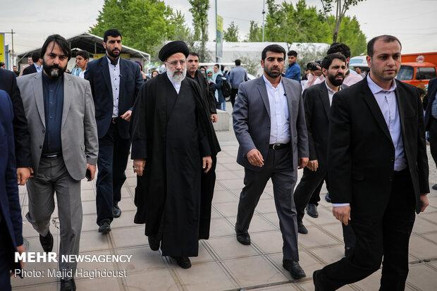 بازدید رئیس قوه قضاییه از نمایشگاه کتاب تهران