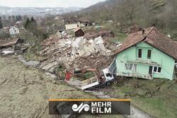 لحظه تخریب خانهها براثر رانش زمین در بولیوی