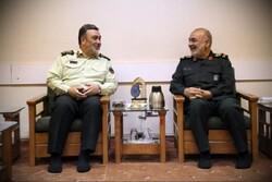 سردار اشتری با سرلشکر حسین سلامی دیدار کرد