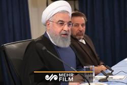 ملت ایران در برابر قلدرها تعظیم نمیکند