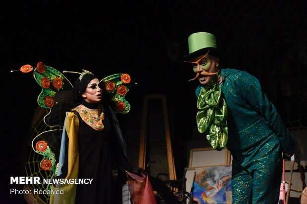 Mehr News Agency - 'Miss Moth' musical on stage in Tehran