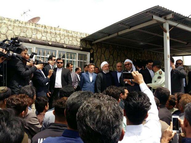 دیدار و گفتگوی رئیس جمهور با مردم روستای زلزله زده دره ژاله