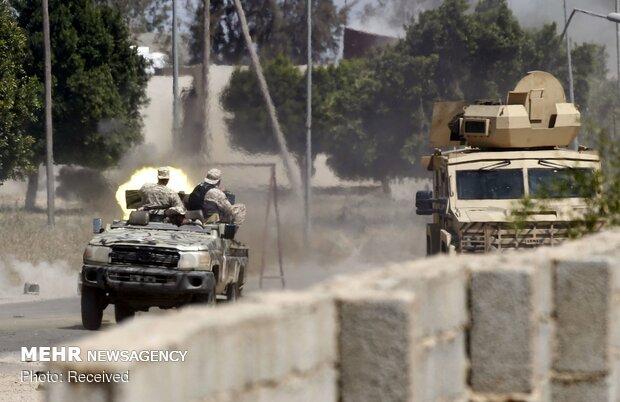 Libya'da UMH güçleri Trablus Havalimanı'na saldırı başlattı